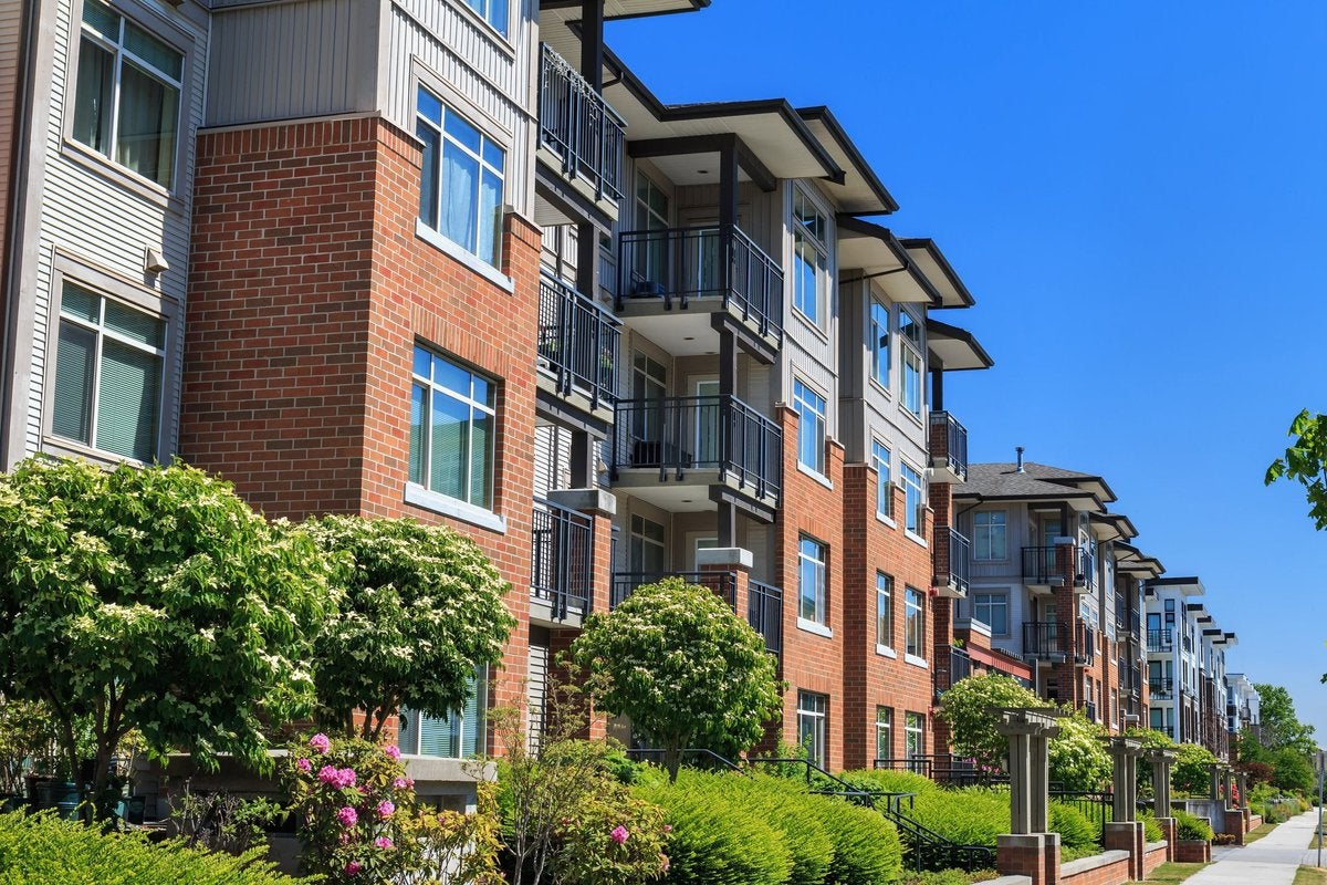 A multifamily property building.