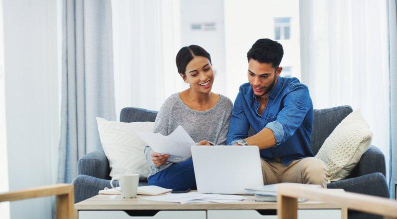 Couple Applying Online