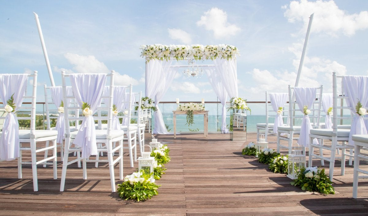 destination wedding venue overlooking ocean