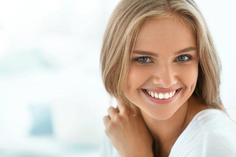 Smiling girl in her 20s