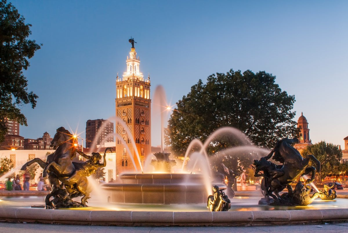 Kansas City, Missouri with fountain.