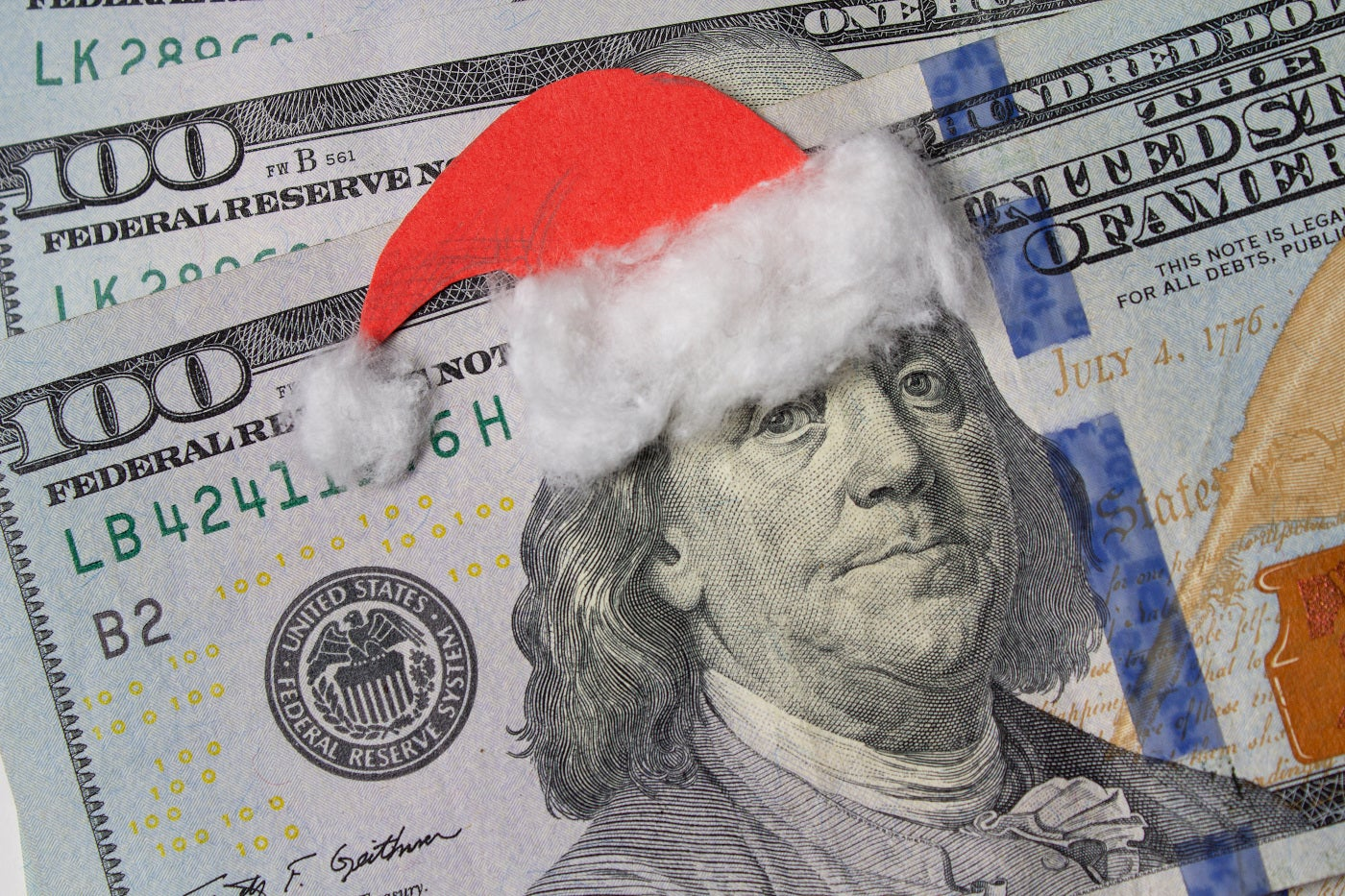 How Much Money Americans Spending On Christmas 2021 Study 2019 Christmas Spending Statistics The Ascent