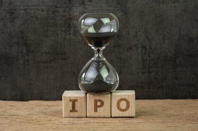 IPO blocks with hourglass.