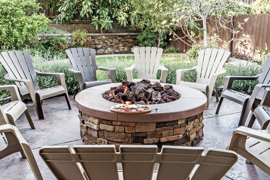 What You Need To Know about Backyard Fire Pits Before Installing One