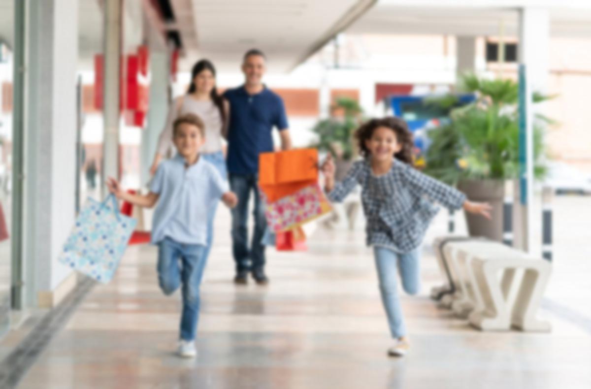 family mall shopping