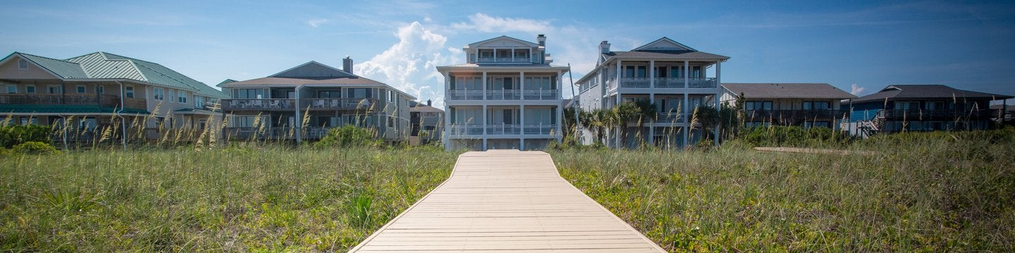 Vacation homes with a boardwalk