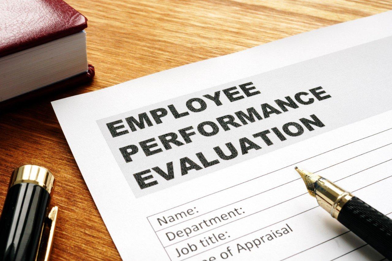 5 Best Employee Performance Metrics to Track in 2020
