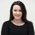 Headshot of Rhiân Davies.